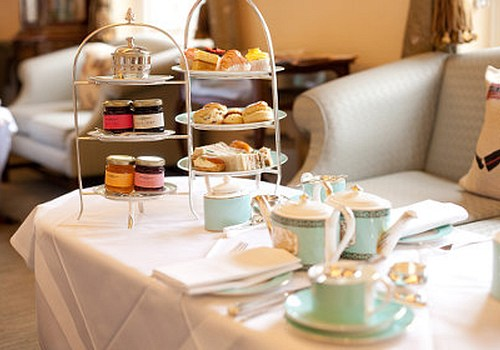 Festive afternoon tea at The Orangery, Kensington Palace. | I am ...